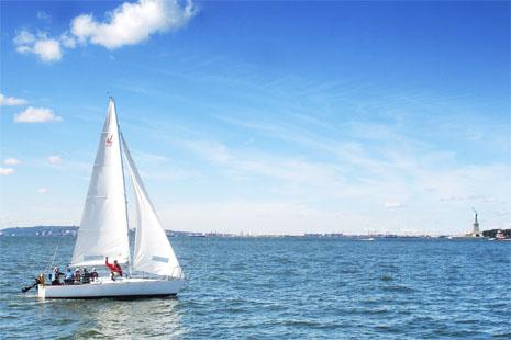 NYC-Sailing-School-Statue-of-Liberty